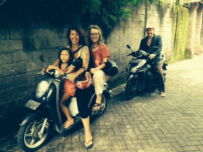 Best way to travel when out shopping around Ubud.